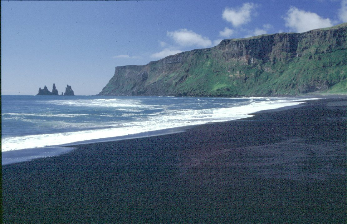 iceland2000 black beach of Vik